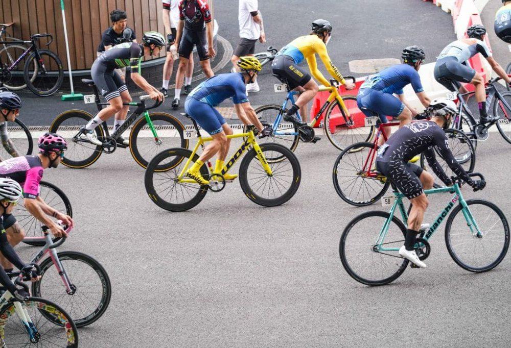 Radsport kann den Beckenboden eines Mannes schädigen und zu Inkontinenz führen - Beckenbodentraining für den Mann hilft dagegen
