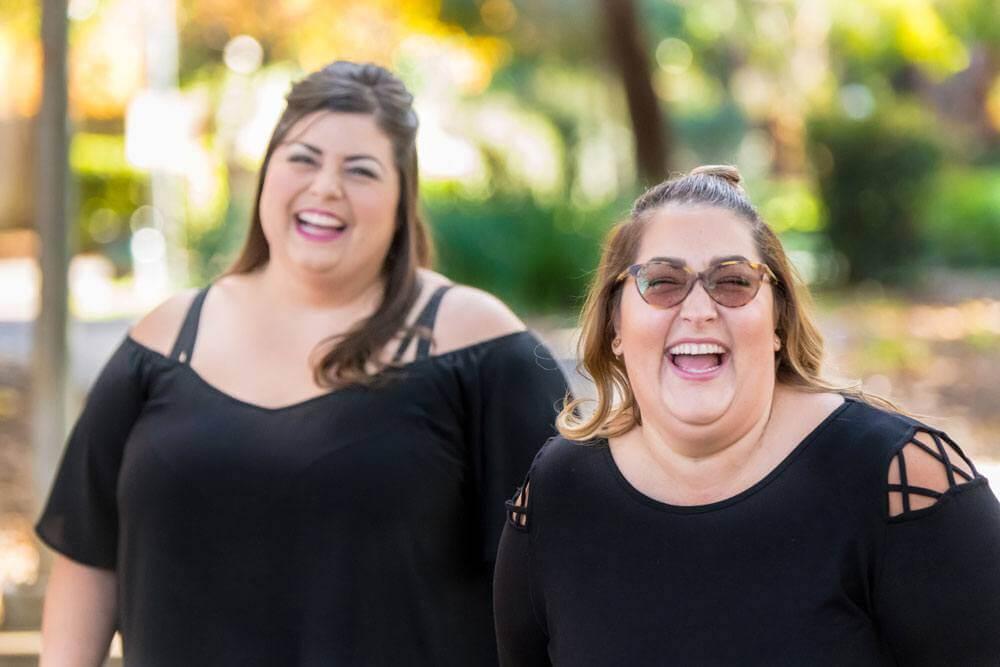 femmes heureuse sans fuites urinaires