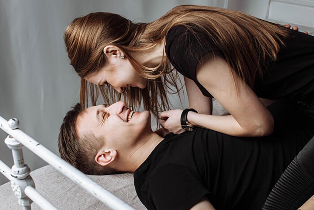 jeune couple emy vie sexuelle